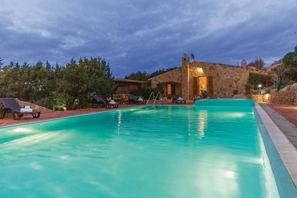 Case vacanza in Sardegna Novasol, villa con piscina costa paradiso