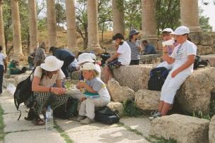giordania-Jerash-family