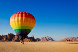 giordania-wadi-rum-mongolfiera