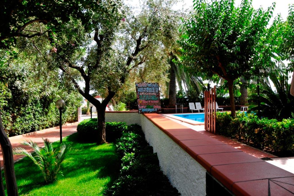 Hotel per famiglie Abruzzo mare, Hotel Haway, giardino