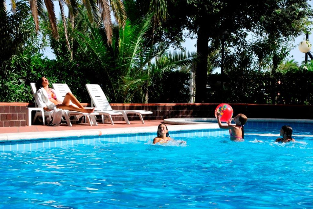 Hotel per famiglie Abruzzo mare, Hotel Haway, piscina