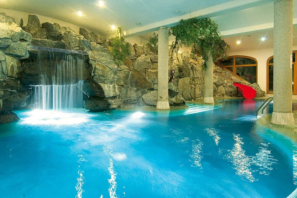Family hotel tirolo austriavacanze familygo - Agriturismo piscina interna riscaldata ...