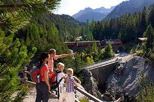 svizzera-treno-bernina-escursioni