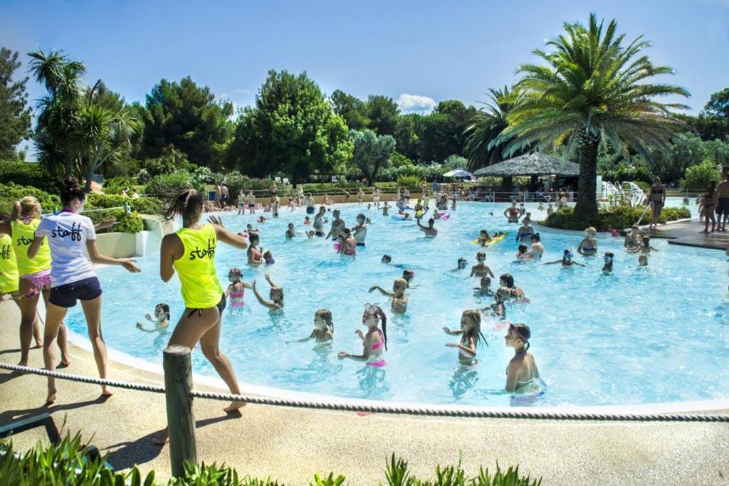 Camping Village le Capanne, campeggio per famiglie in Toscana a Marina di Bibbona, piscina