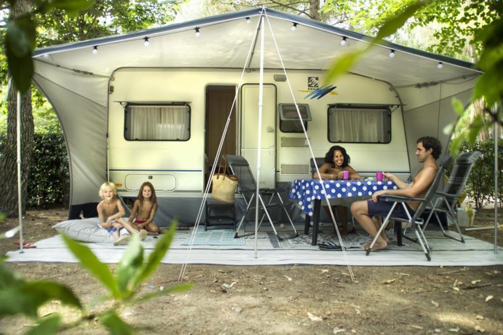 Camping Village le Capanne, campeggio per famiglie in Toscana a Marina di Bibbona, piazzole