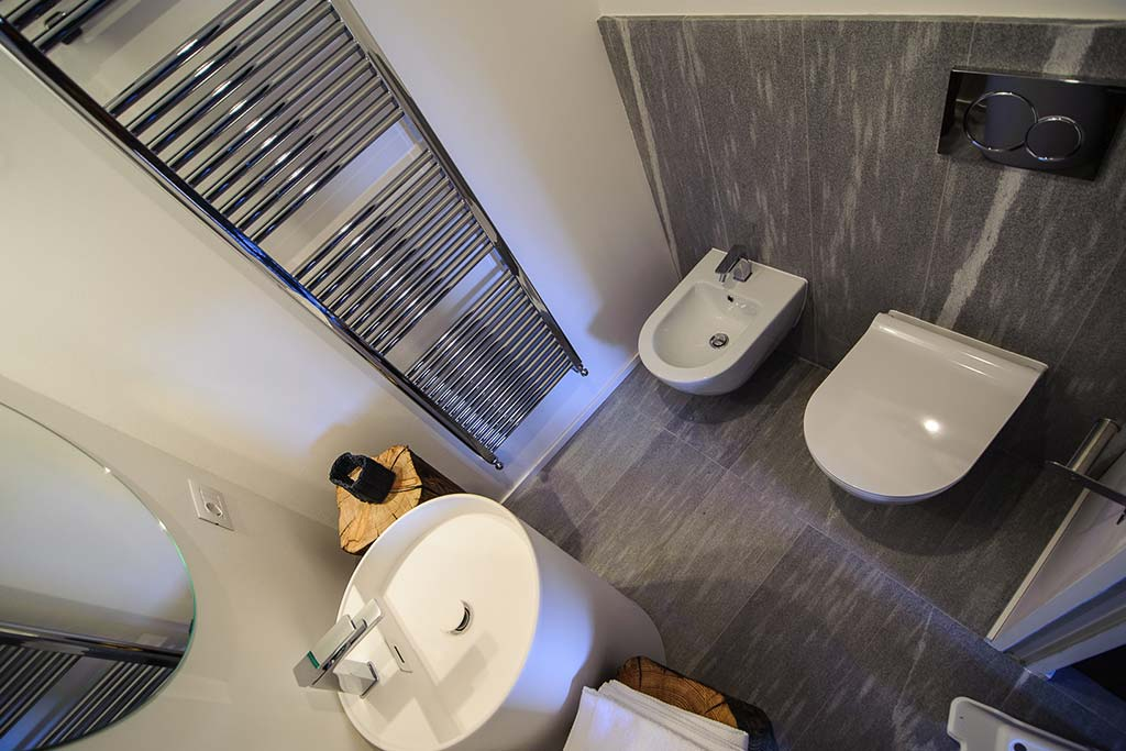 Hotel per famiglie Val d'Aosta, Hotel Zerbion camera bagno
