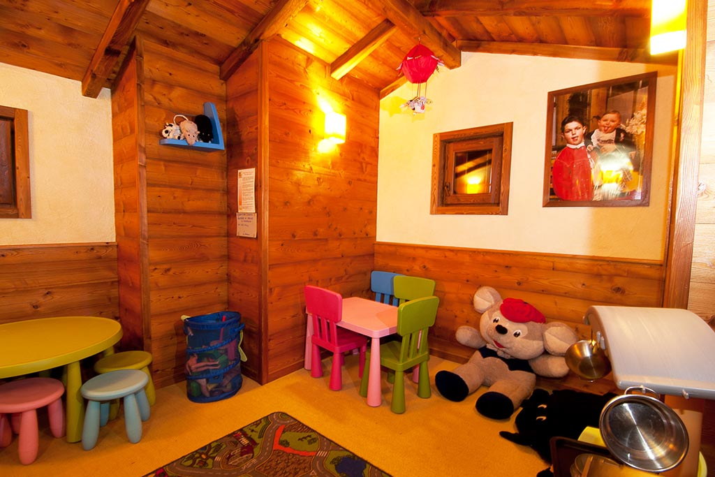 Hotel per famiglie Val d'Aosta, Hotel Zerbion sala bimbi