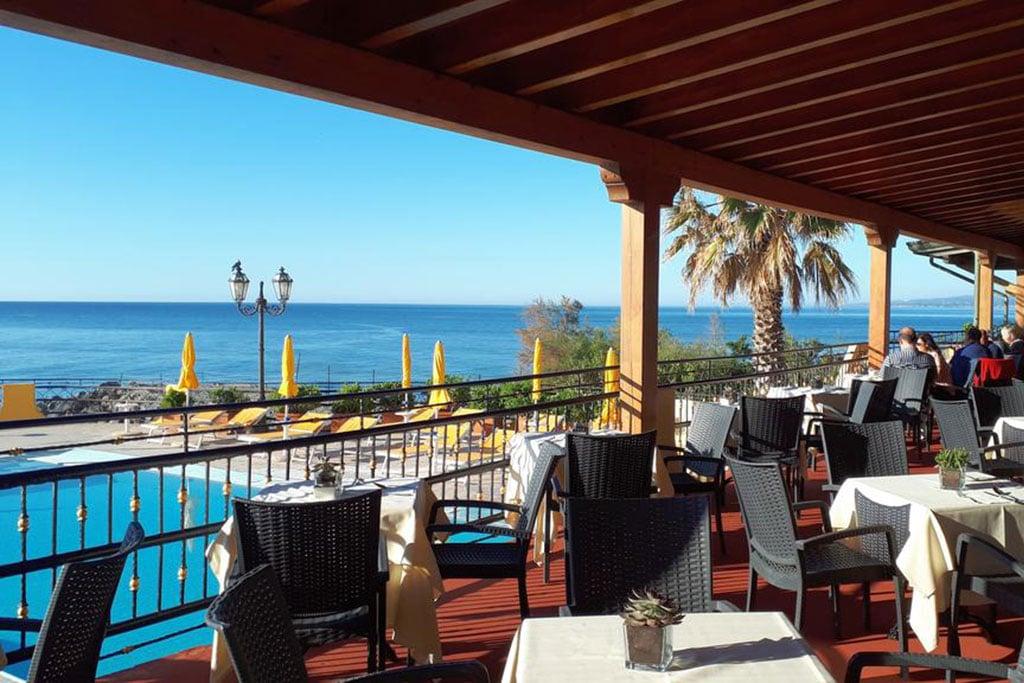 Rg Naxos Hotel Per Famiglie A Giardini Naxos Familygo