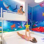 Family Hotel Fabrizio a Rimini, camera a tema Sharky Boat