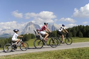 Biking-sull'Alpe_Alpe-di-Siusi-Marketing_Laurin-Moser 5