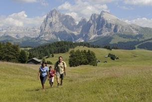 Escursioni-in-famiglia_Alpe-di-Siusi-Marketing_Laurin Moser